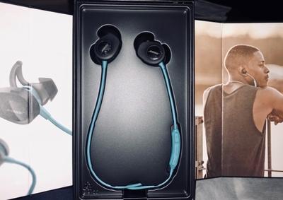 请问bose和jbl哪个好耳机?jbl蓝牙耳机和bose对比怎么样?