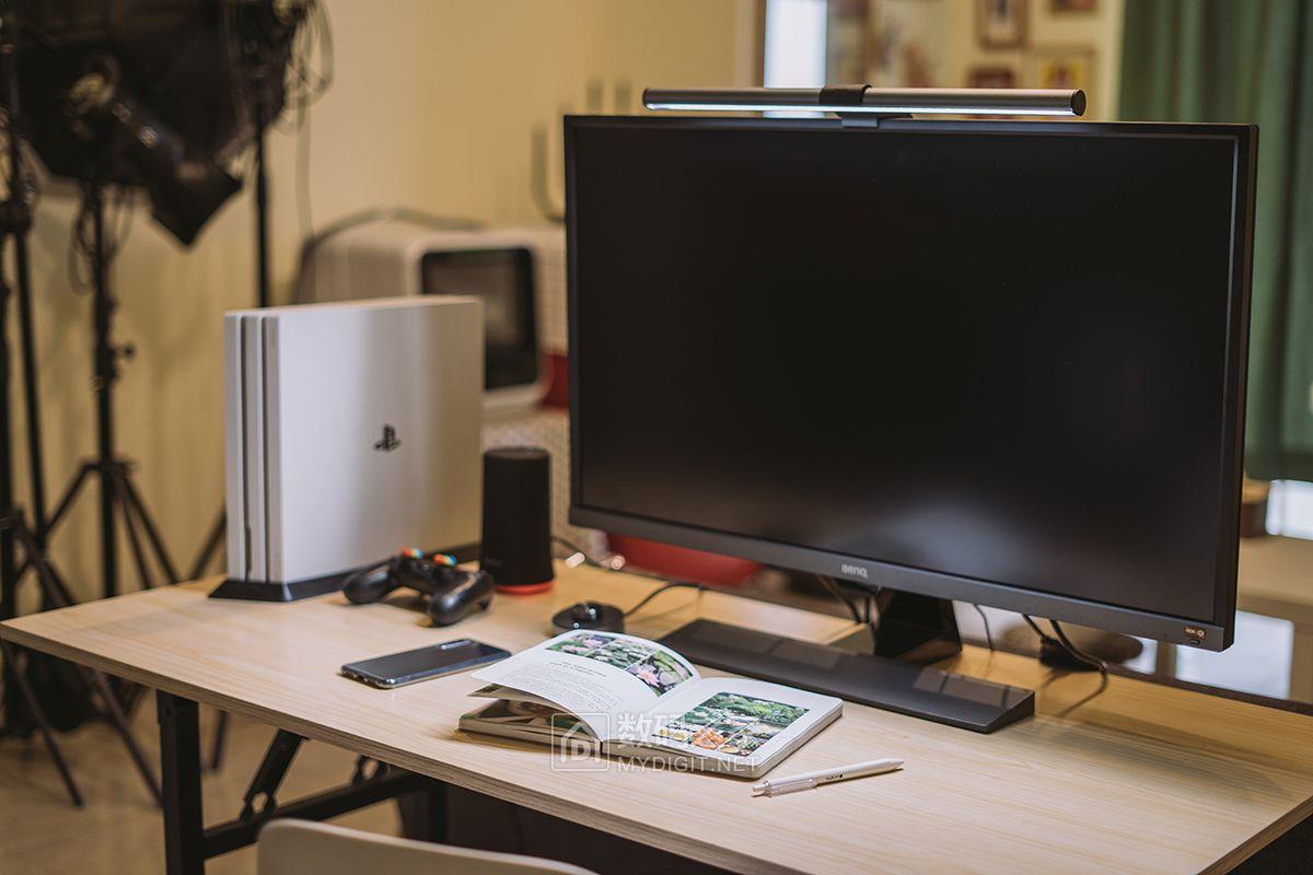 明基ScreenBar Plus智能屏幕挂灯,这盏台灯会给你不一样情怀