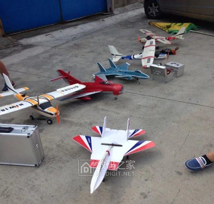 夏天是航空俱乐部的世界