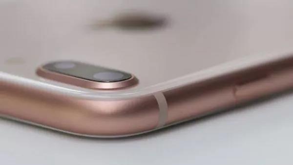 手机放在桌上,为什么屏幕最好朝下放?不只是隐私问题