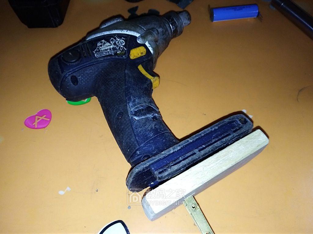 让冲击起子用上锂电池,快速自制冲击起子电池座 !
