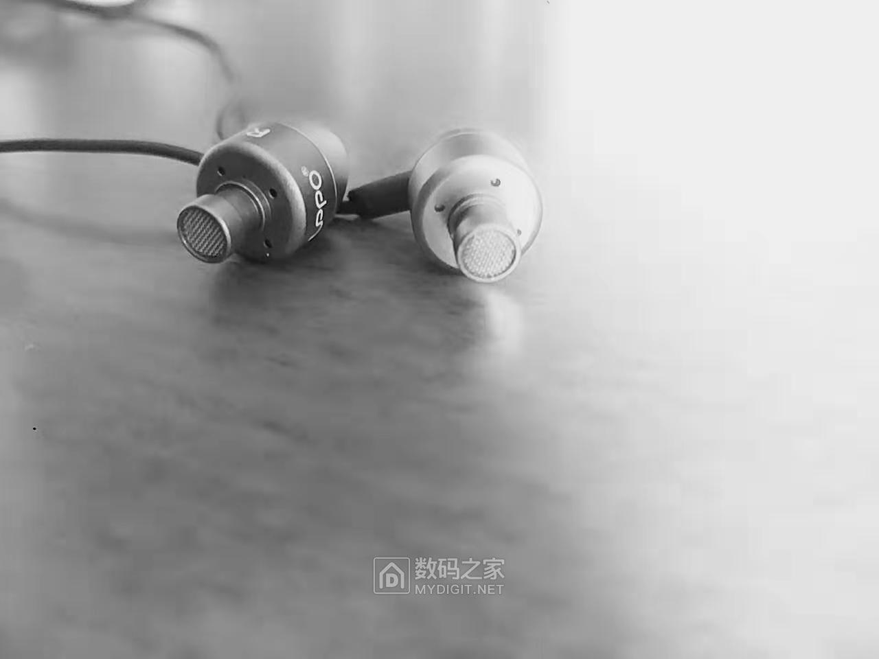 打包千条金属动圈耳机