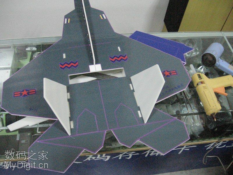威武的F-22战机(KT板仿真航模)