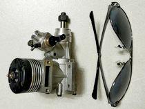 意大利罗西创纪录微型内燃机开箱